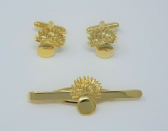 GRENADIER GUARDS ( BOMB ) CAP BADGE CUFF LINK AND TIE GRIP / CLIP GIFT SET
